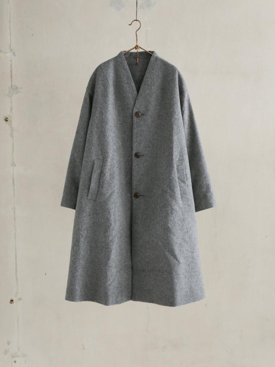 凛然たるback panel coat