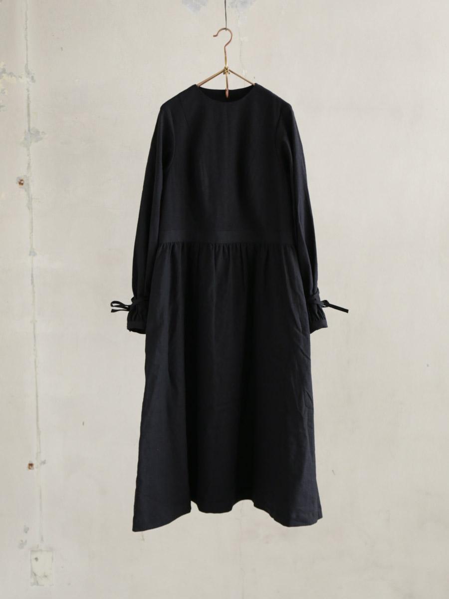 月暈のgather dress